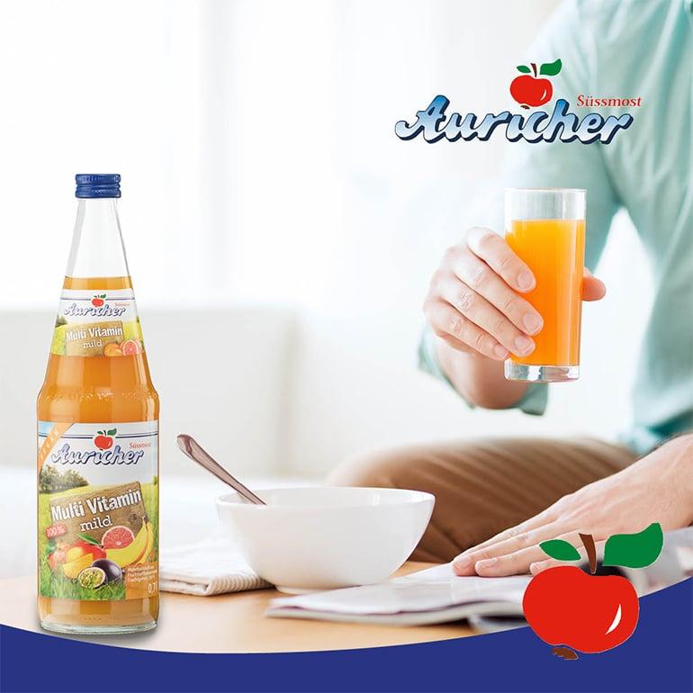 Ein Frühstück mit Multi-Vitamin-Saft!